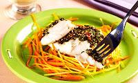 peixe assado com legumes e maionese