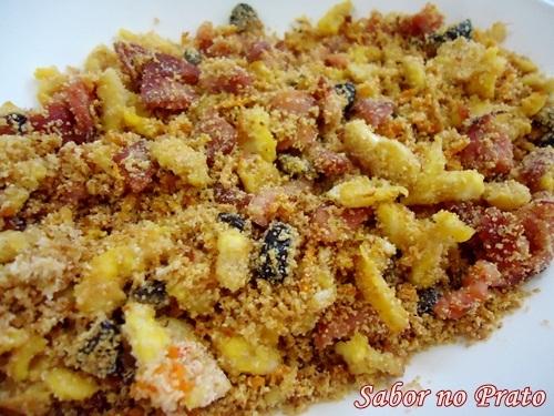 como fazer farofa de cenoura com linguiça e farofa pronta