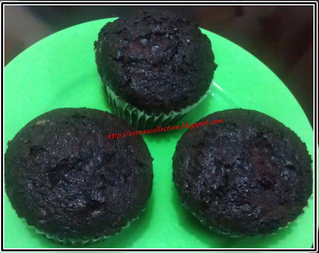 STEAMED CHOCOLATE CUP CAKES
