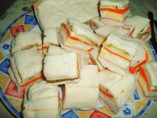 torta fria de queijo e presunto e pepino