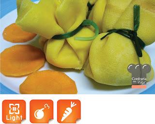 Crepe de Cenoura com Alho Poró, Ricota e Peito de Peru