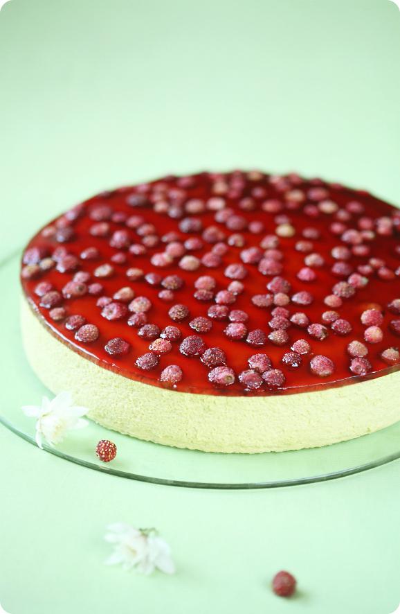 Фисташковый торт с земляникой / Torta mousse de pistáchio e morango silvestre