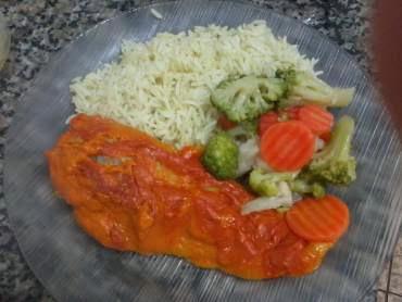 file de peixe na panela com legumes e requeijão no mais voce