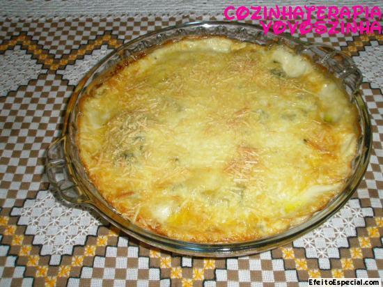 Espinafre com batata e creme branco
