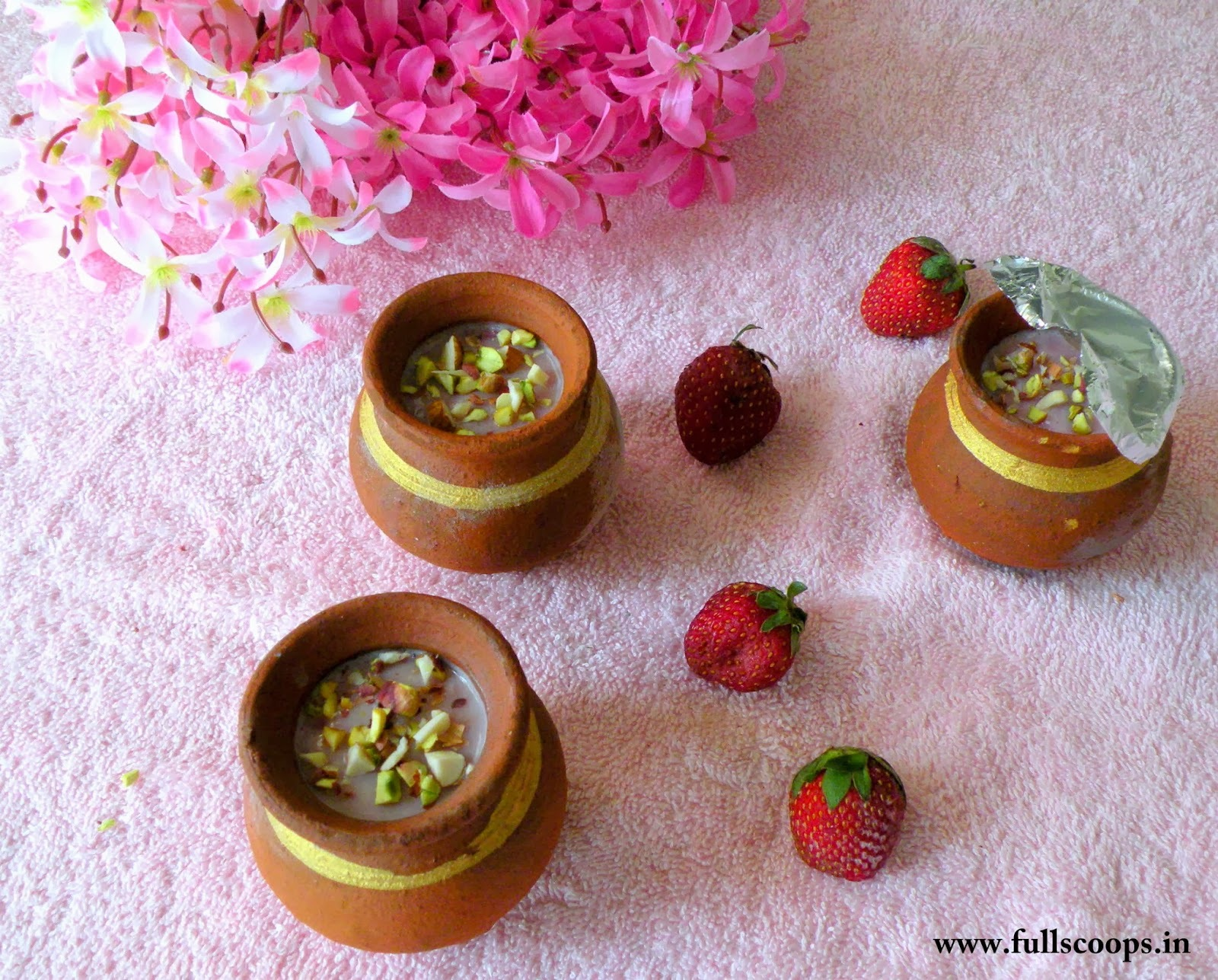 Strawberry Kulfi Recipe / Strawberry flavored Indian Ice Cream