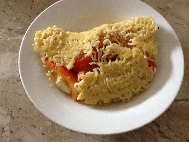 Omelete de macarrao instantâneo