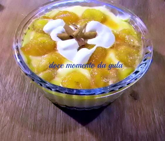 Banana Caramelizada com Creme de Baunilha