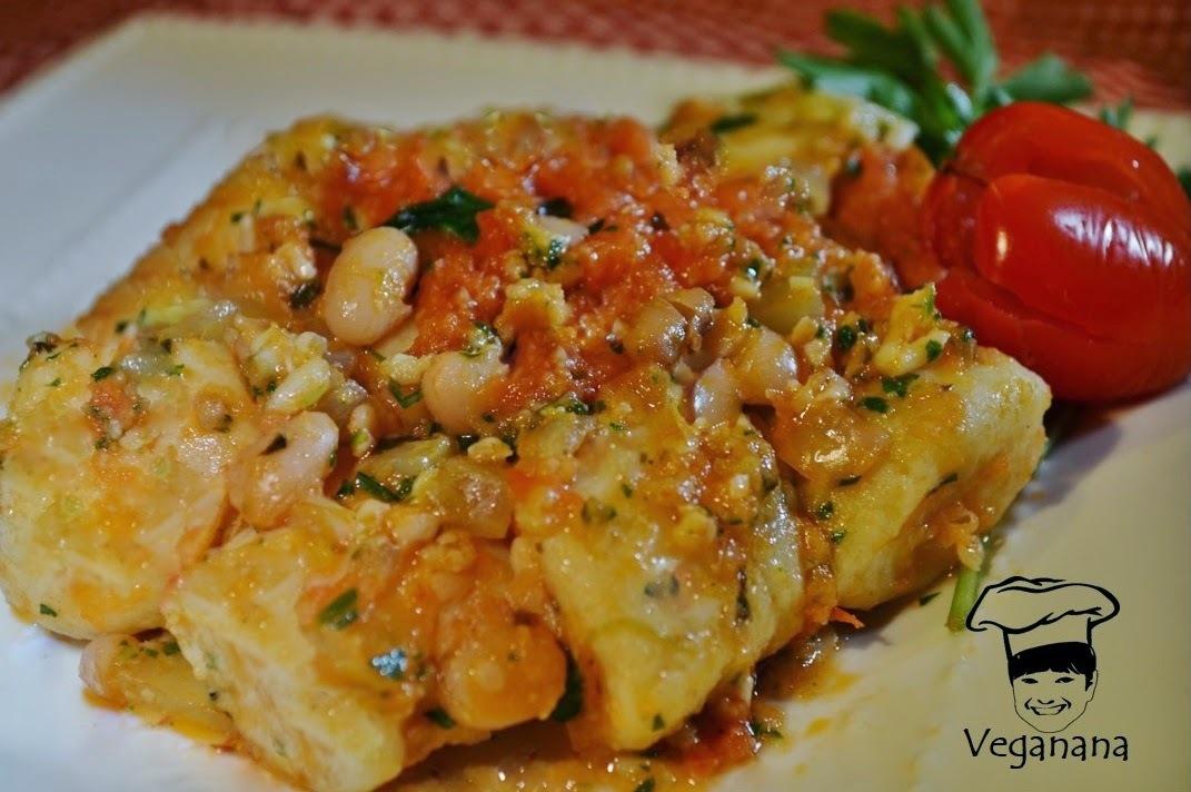 Nhoque de Batatas com Molho de Tomates e Feijão Branco