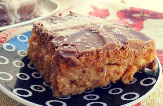 Pão de mel recheado no tamanho de bolo