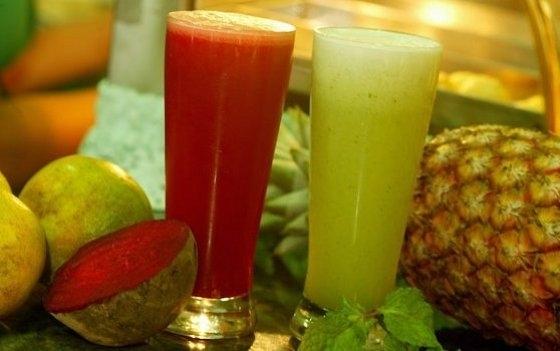 Sucos naturais para curar a ressaca