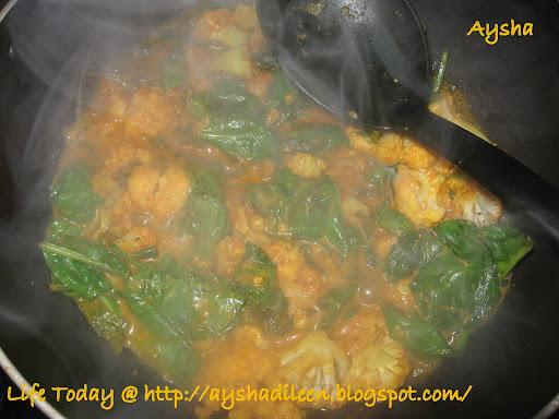 Palak Gobi(Spinach Cauliflower Fry)