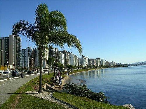 Esta imagem é da Beira Mar Norte em Floripa. Linda, não??
