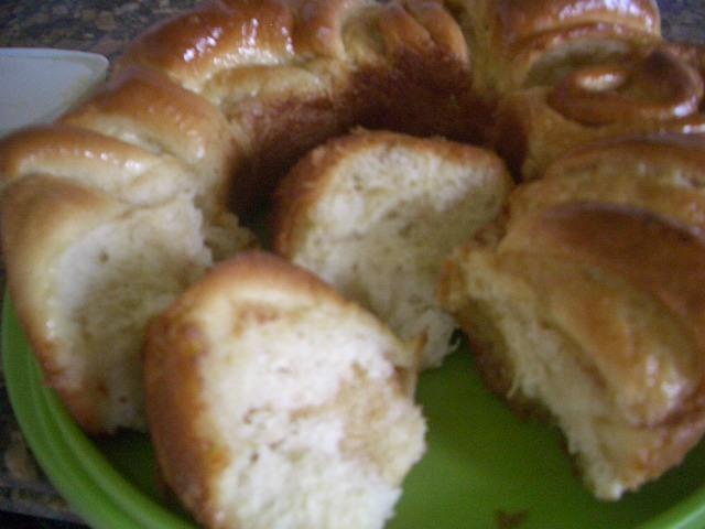 massa de pão de ló com leite fervendo