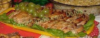 peito de frango enrolado com queijo presunto e bacon no creme