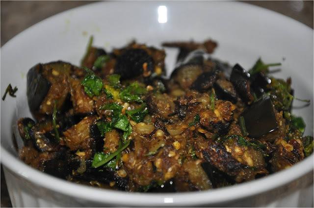 Baingan Ki Sookhi Sabzi बैंगन की सूखी सब्जी - Vankaya Pachhi Kharam (Eggplant Fry with Green Chilli - Coriander - Cumin Powder)