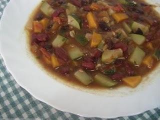 Sopa toscana de porotos y verduras