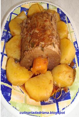 Lagarto com molho e batatas