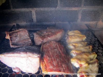 de churrasco de contra file ao alho no espeto