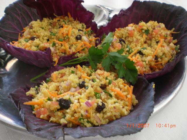 salada de quinoa em flocos