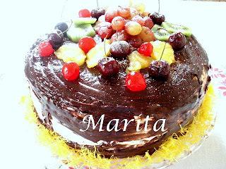 bolo de natal decorado com chantilly