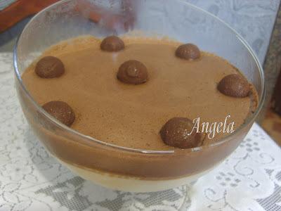 mousse de chocolate feito com creme de leite e leite condensado