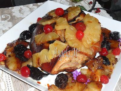 Pernil assado com frutas