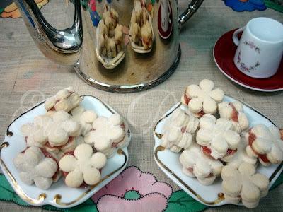 biscoito de polvilho com coco e nata