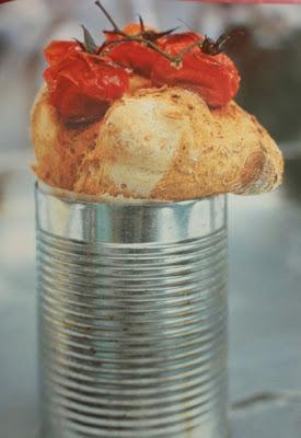 Paradajkový chlieb Jamieho Olivera pečený v plechovkách