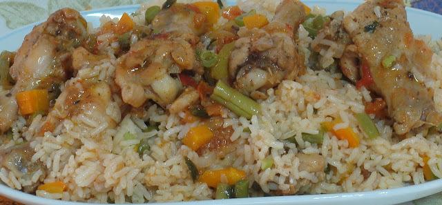 Arroz com frango e legumes