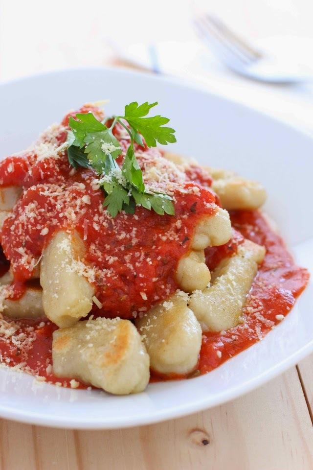 Receta: Ñoquis Caseros con Salsa de Tomate