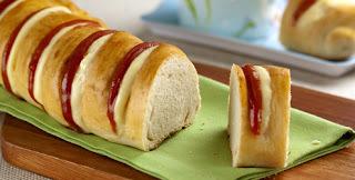 Pão com creme e goiabada