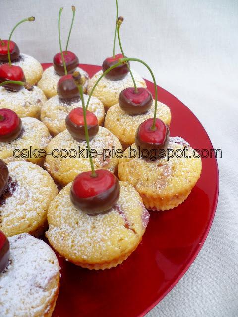 Muffini s ricottom, trešnjama i kokosom + sirup od trešanja