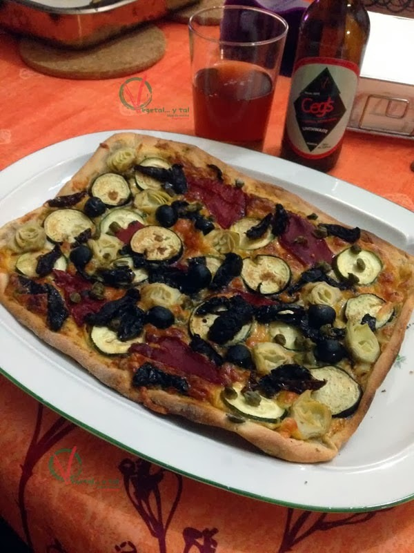 Pizza vegetal con queso crema vegano