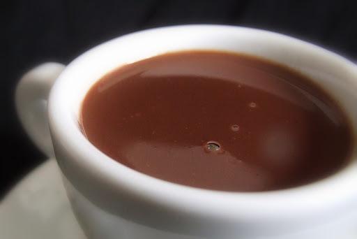 como se faz chocolate quente sem barra leite condensado e creme de leite