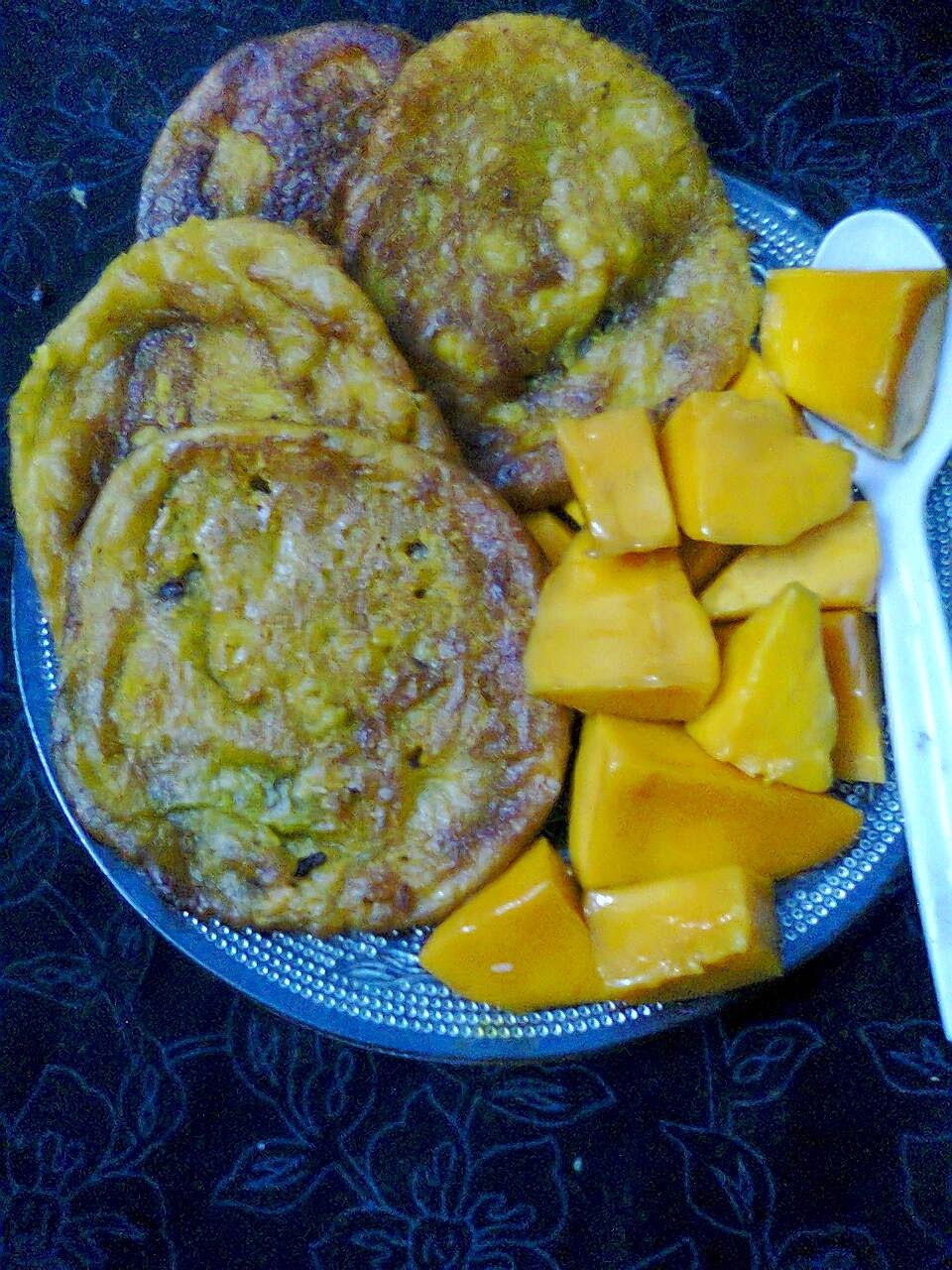 Sweet With Ripe Mango / Bengali Aamer Malpua.