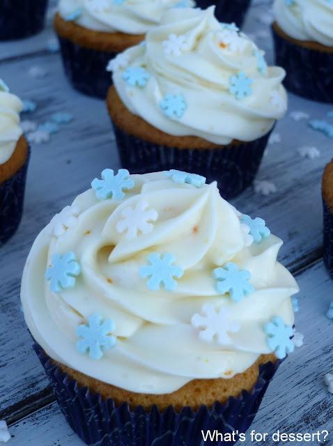 Cupcakes s narančom i bijelom čokoladom