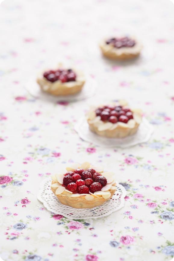 Мини-чизкейки с земляникой / Mini cheesecakes com morango silvestre