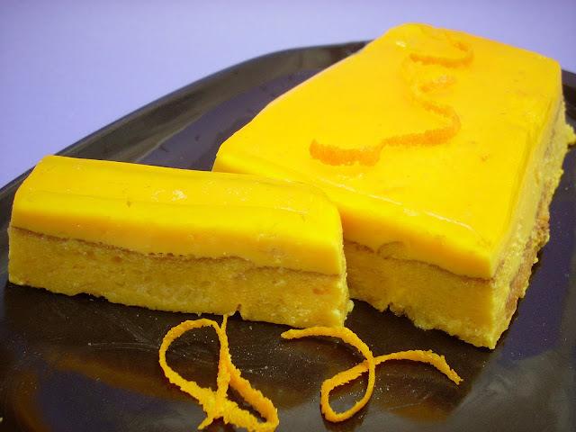 gelatina de naranja. con leche