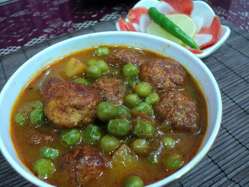 Chenna Matar (Odisha style Matar Paneer)