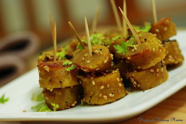 Dudhi Na Muthiya / Bottle Gourd Dumplings