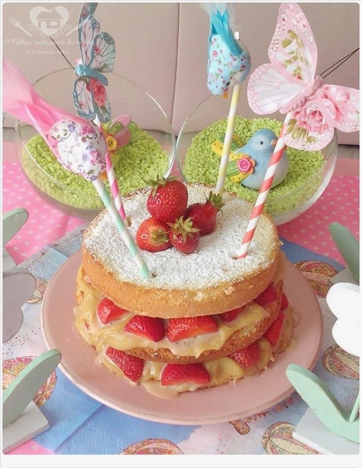 Naked Cake com Recheio de doce de Leite e Morangos