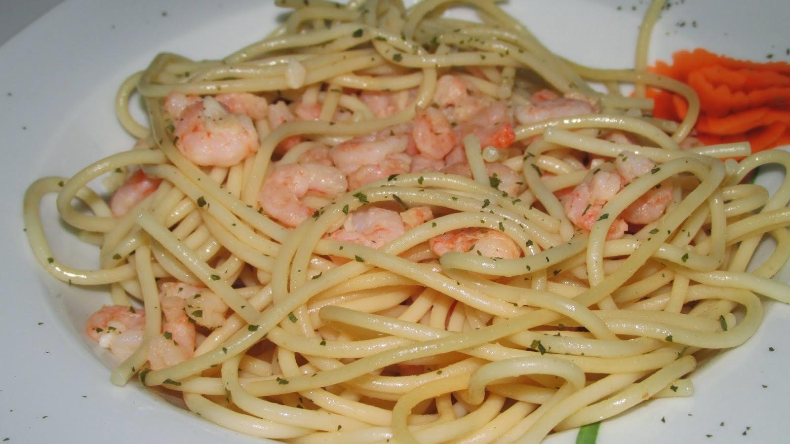 Spaguettis con gambas al ajillo