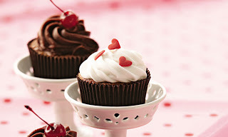 Cupcake light de merengue, chocolate e ganache