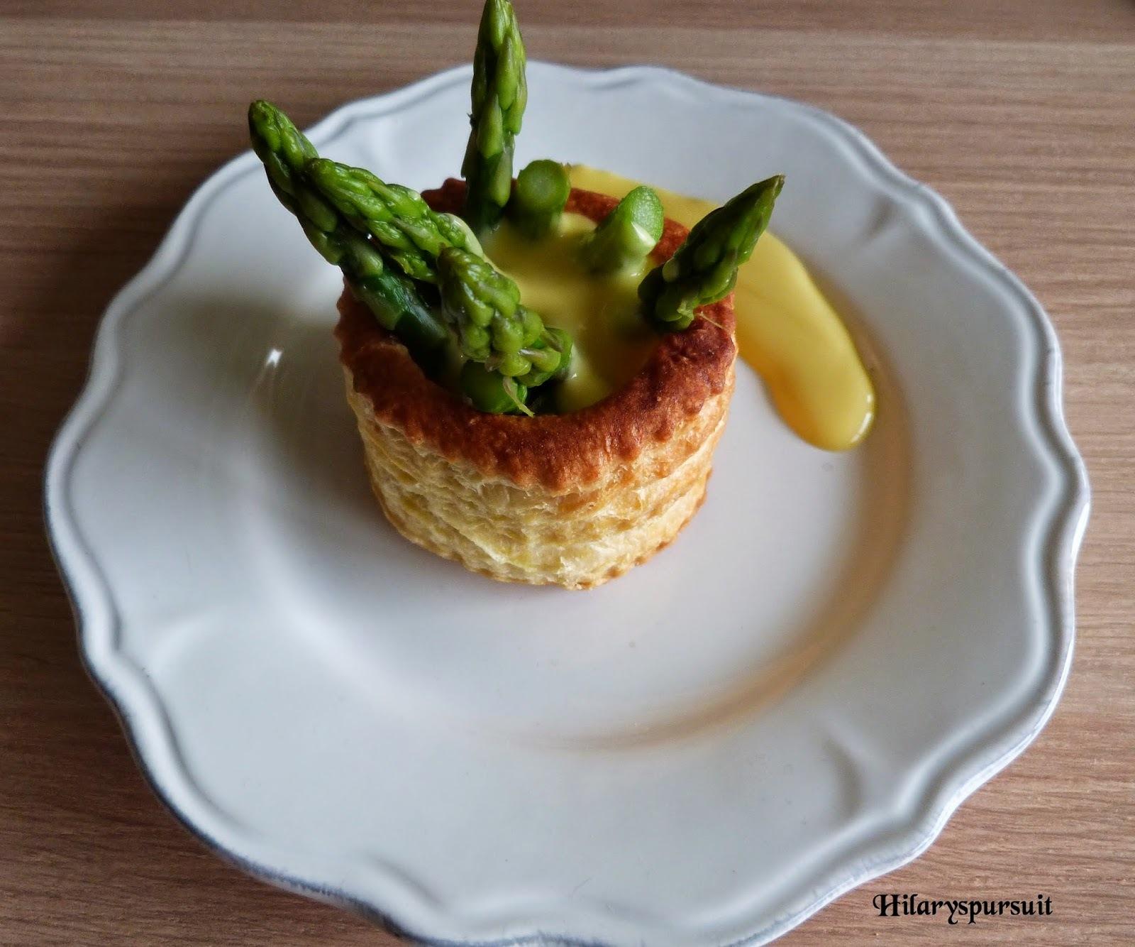 [Spécial Pâques] Vol-au-vent aux asperges et sa sauce hollandaise / Asparagus and Hollandaise sauce in its puff pastry shell