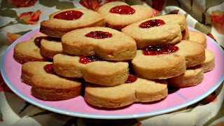Baking with Suzy: Love Heart Jam Biscuit Baking Kit
