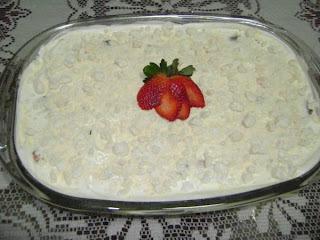 de merengue de morango com suspiro simples