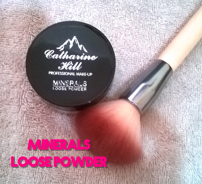 Testei: Pó iluminador translúcido Minerals Loose Powder by Catharine Hill Professional Make Up