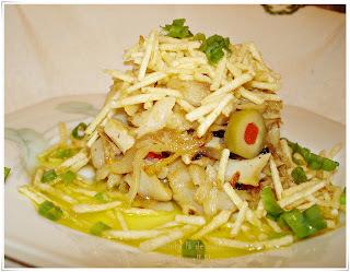 Salada de Bacalhau com Cebola Caramelada