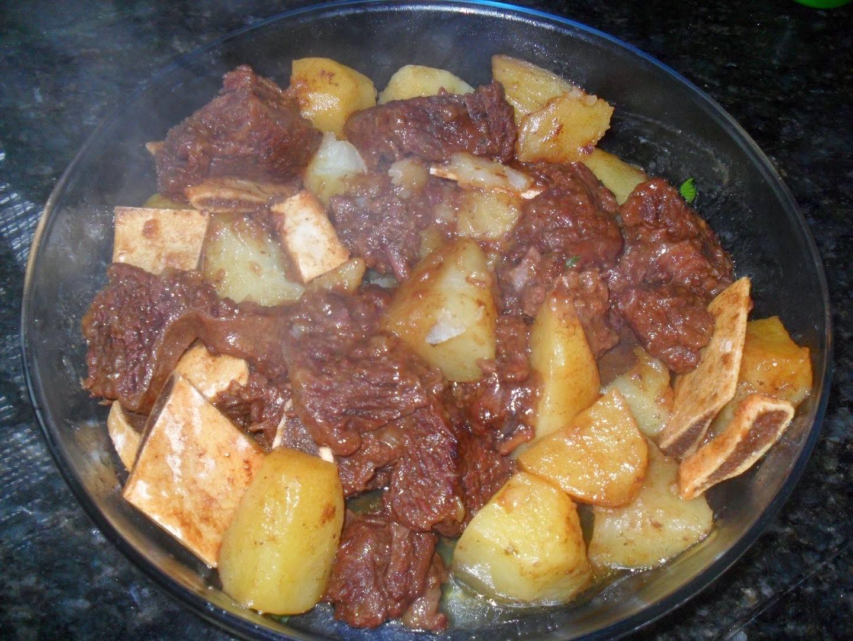 costela de boi cozida com batatas