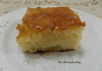 bolo de maça sem ovos com calda de liquidificador
